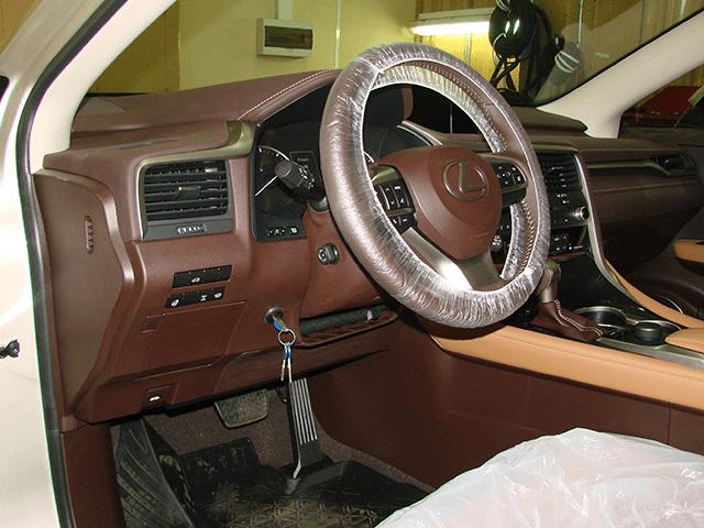 Установка Техноблока на Lexus RX200